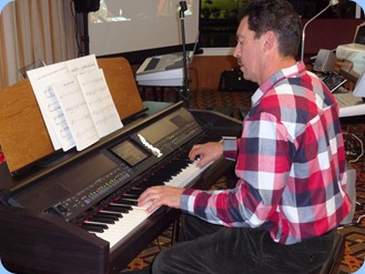 Peter Littlejohn played the GA3 organ and the Clavinova for us