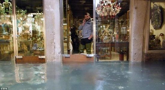 Veneza - enchente (2)