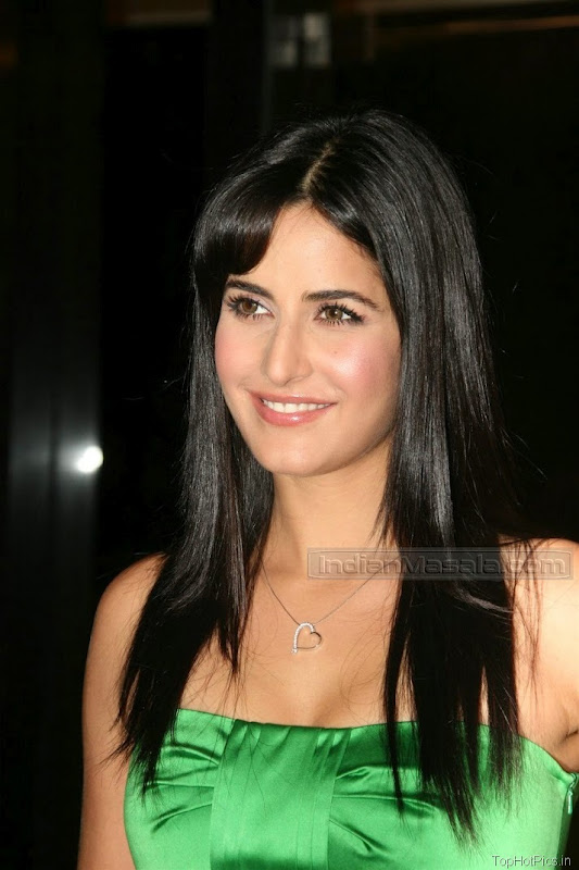 Katrina Kaif Beautiful Photos in Short Green Dress 13