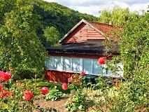 GAA5 Gartenhaus-Ostseite (Verandaseite).JPG