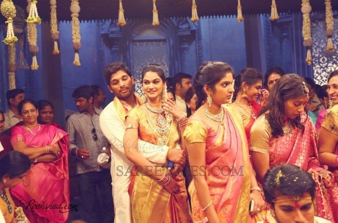 [Celebrities_Saree_Ram_Charan_Marriage%2520%25284%2529%255B4%255D.jpg]