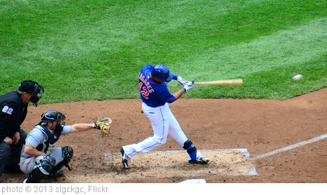 'Juan Lagares Connects' photo (c) 2013, slgckgc - license: http://creativecommons.org/licenses/by/2.0/