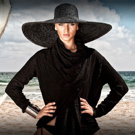 Beauty Queen by Todor Lichev - People Portraits of Women ( sea beach, girl, black, portrait, outside, hat )