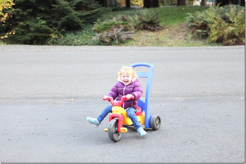 Sara pedaling (4)-blog