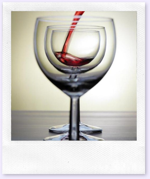 red_wine_marching_glasses
