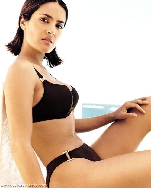 salma hayek linda sensual sexy sedutora gostosa peituda boob tits desbaratinando  (50)