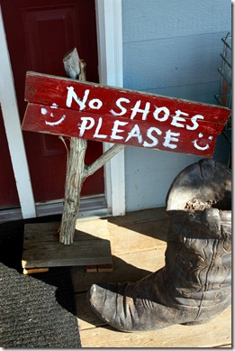 no shoes please