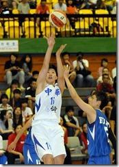 中華劉君儀(左)世大運黃凡珊(右)