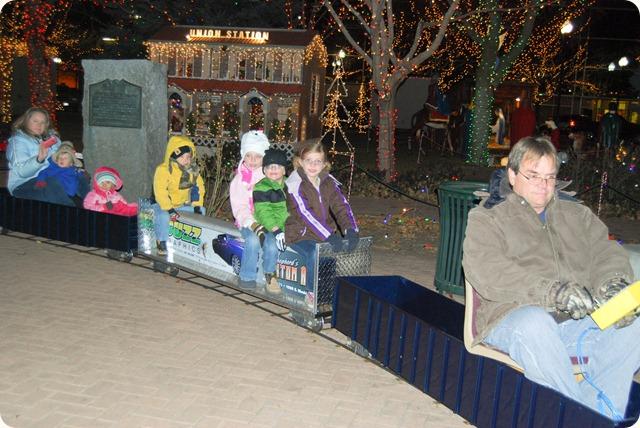 20111206-Christmas Village (40)