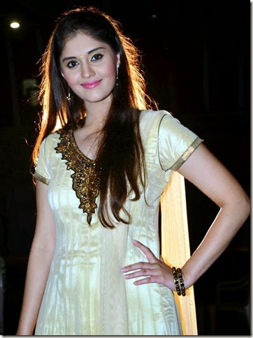 Surabhi-exclusive_photo