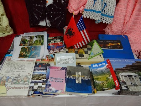 03. Carti despre Albania.JPG
