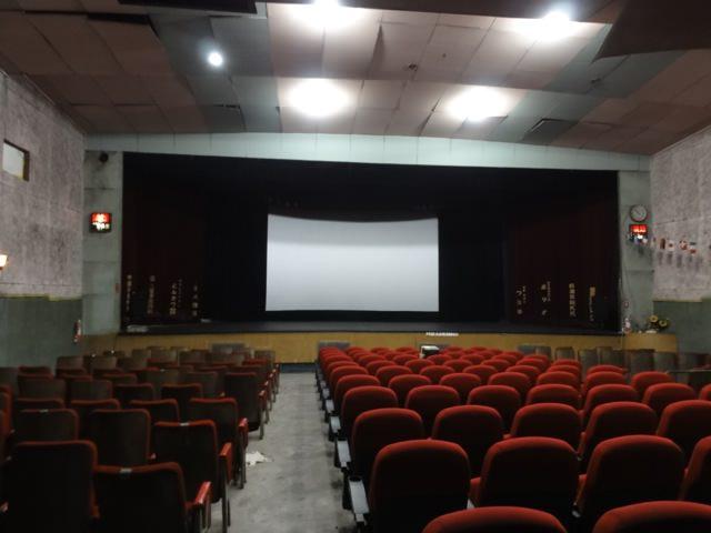 西尾劇場内部