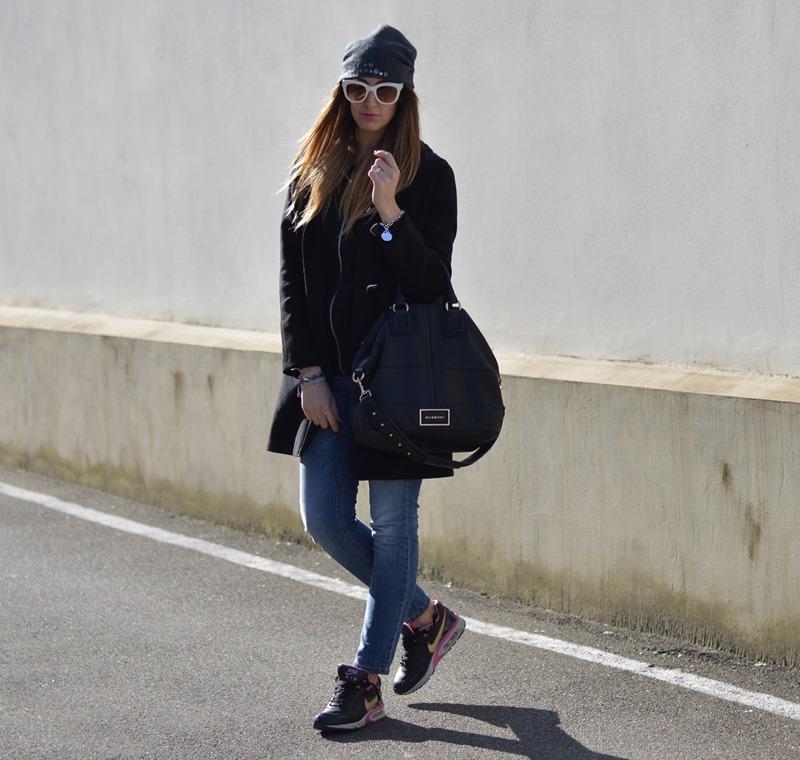 Nike, Givenchy bag, borsa Givenchy, Occhiali Zara, Zara sunglasses, Sisley, jeans Sisley, fashion blogger, migliori fashion blogger, elisa taviti blog, elisa taviti, nike sneakers, sneakers
