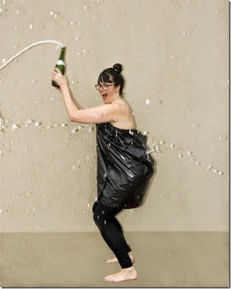 kardashian-champagne-catch-011