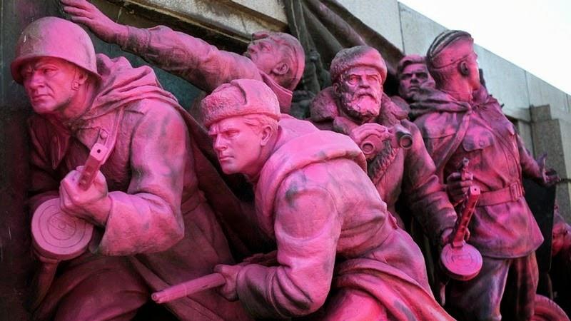 monument-soviet-army-sofia-6