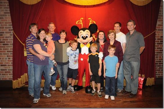 2012-11  Family & Mickey  41687690265