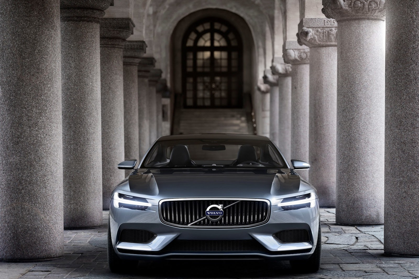 Volvo-Concept-Coupe-17%25255B2%25255D.jpg