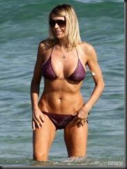rita-rusic-purple-bikini-miami-14-675x900