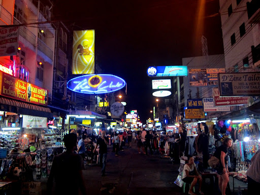 "Nighttime on the Khao San Road backpacker ""ghetto""."