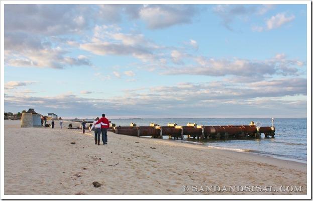 beach stroll (1024x625)