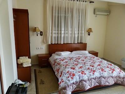 Cazare Tirana: Camera Hotel Baron