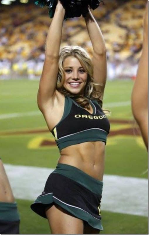 Oregon Cheerleaders (2)