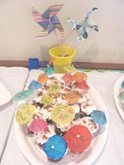 Beckys shower cupcakes and table decoration