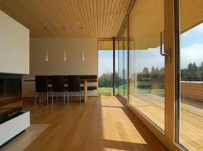 casa moderna suelo con revestimiento tablones madera