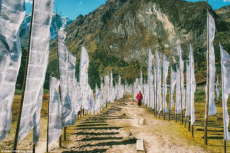 Phóng sự - phóng sự ảnh - Phật giáo thế giới - Người Áo Lam - 012