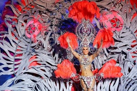 Nominee for Queen of the 2013 Santa Cruz carnival Yolanda Mendoza.