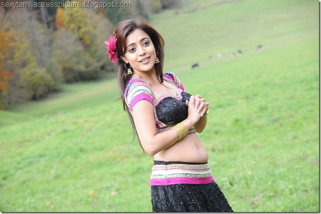 actress_nisha_agarwal_cute_stills