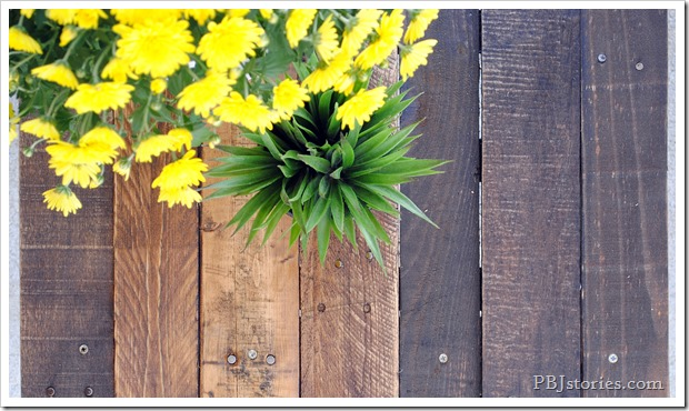 Easy Reclaimed Wood DIY Project
