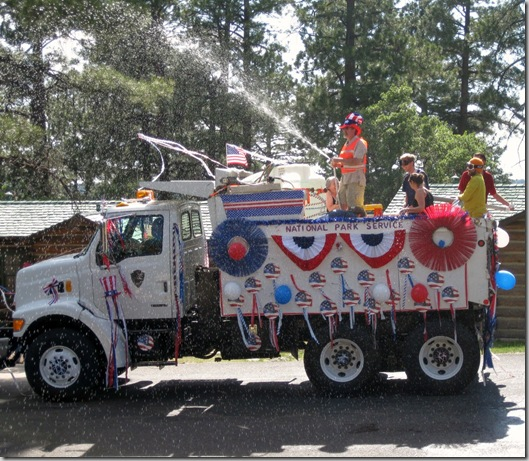 10 NPS truck in 4th of July Parade GRCA AZ 2009 (1024x891)