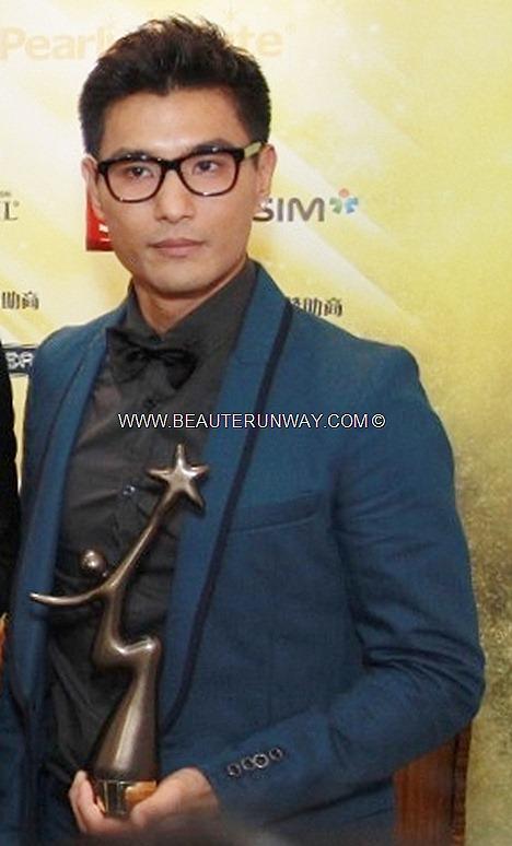 STARHUB TVB AWARDS 2012 Ruco chan Chin Peng Best Newcomer Award Most Improved TVB Male Artist Raymond Wong HONG KONG CELEBRITIES WINNERS KEVIN CHENG  MYOLIE WU  LINDA CHUNG SUNNY CHAN  MOSES CHAN TAVIA YEUNG Wayne Lai Singapapore