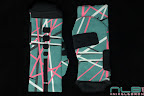nike basketball elite lebron socks southbeach 1 01 Matching Nike Basketball Elite Socks for LeBron 9 Miami Vice
