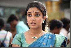 Tanu shree Dutta in blue _Saree