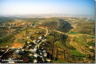 Khirbet el-Maqatir and Wadi Sheban aerial, tbs104369905
