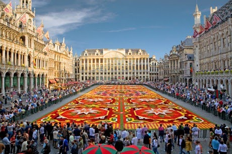 brussels-central-square-grand-place-with-flower-carpet-photo_1395936-770tall