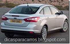 2013-Ford-Focus-Titanium
