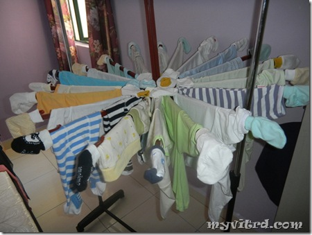Basuh baju baby