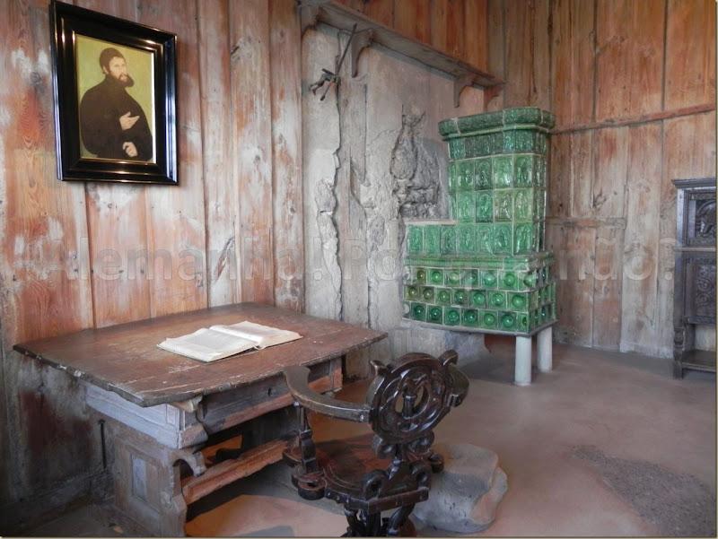 Quarto em que ficou Martinho Lutero nos 10 meses que permaneceu no castelo traduzindo o Novo Testamento do latim para o alemão