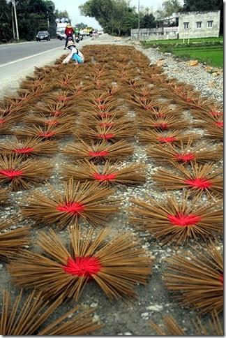 Làng hương lớn nhất miền Trung nhộn nhịp ngày cận Tết
