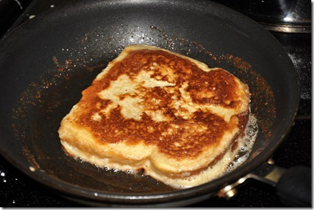 making french toast (16)