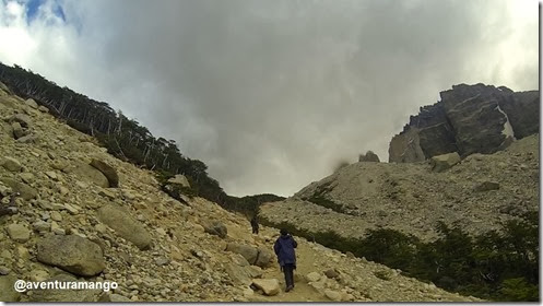 Morainas na subida para as Bases de Las Torres