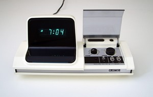 Electer EL-110 digital alarm clock made in Japan by Tonan