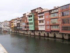 2009.05.23-004 maisons sur l'Agout