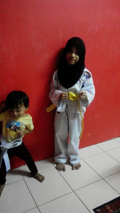 Tali putih ke tali kuning