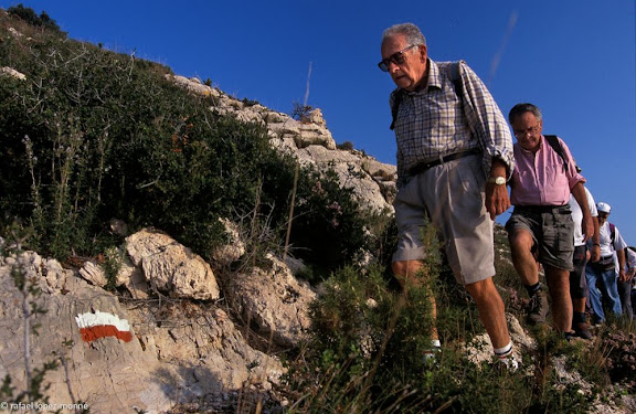Enric Aguade i Sans (Reus, 1920). Lleva del bibero, metge i excursionista, introductor dels GR a Catalunya i Espanya. El Torn GR 92.Hospitalet de l'Infant Vandellos, Baix Camp, Tarragona1999