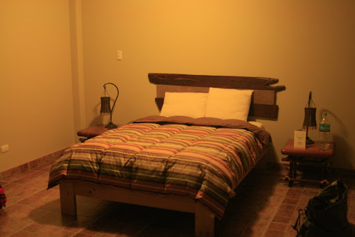 Our beautiful and short lived stay in El Huacahinero hostel, so close to perfect but falling dismally short.