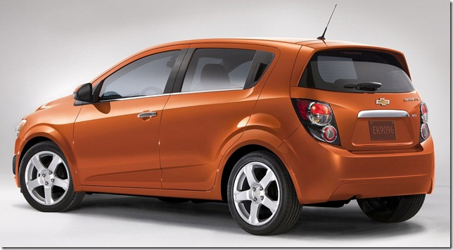 Chevrolet-Sonic_2012_1600x1200_wallpaper_05